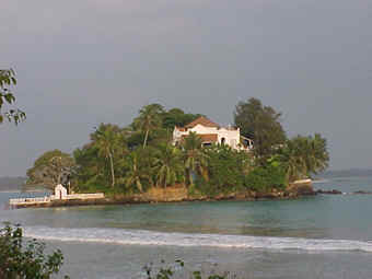 Ganduwa - the dream house built by a French Counrt